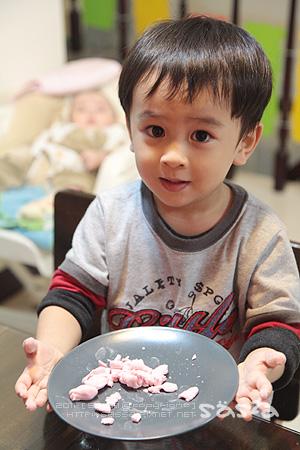 小柚子說他做饅頭給我吃XD