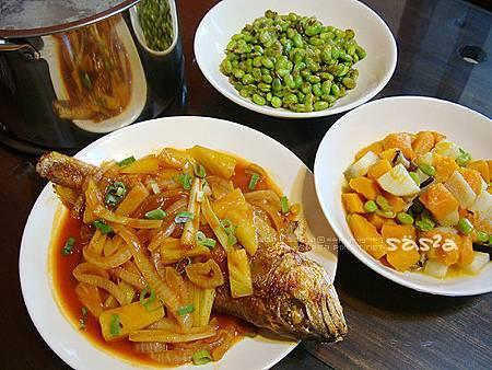 糖醋魚、山藥南瓜、香煎毛豆、花生豬尾湯