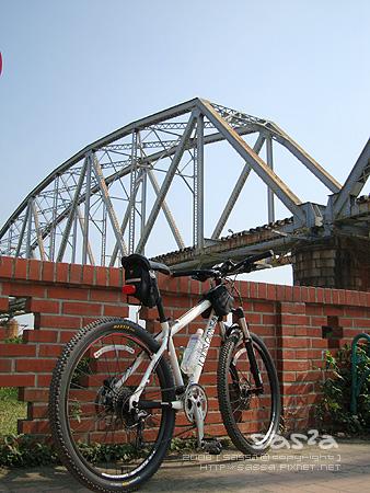 小兔也來高屏舊鐵橋