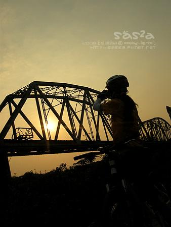 高屏舊鐵橋滴夕陽