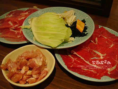 菜盤與肉類