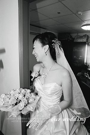 新娘很開心唷