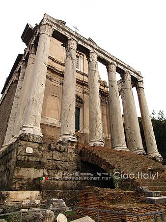 安東尼諾與法斯提娜神殿Tempio di Antonino e Faustina