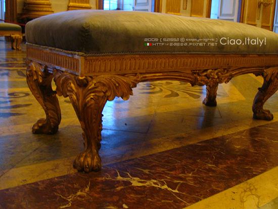 獅子腳的椅子