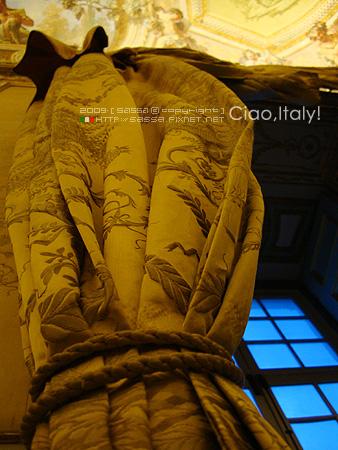 手工縫織的窗簾