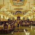 好像在皇宮裡用餐阿,好氣派