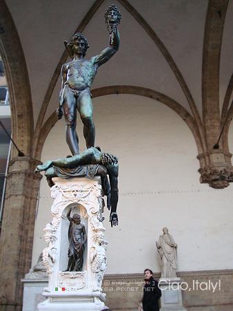 Cellin的Perseo砍殺梅杜莎的佩賽歐