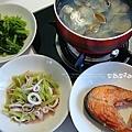 lunch芹菜小管、油菜、挪威鮭魚、蛤利湯