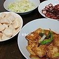 晚餐:紅燒豆腐、紅糟肉、高麗菜、冷筍沙拉、蛤蜊湯