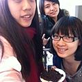 花蓮小朋友生日送的巧克力蛋糕