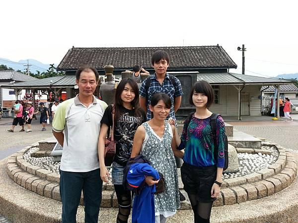 2012-08-27-16-04-00_photo