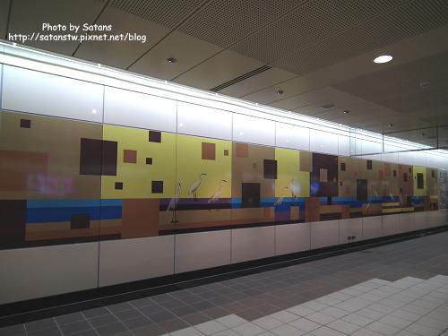 三和國中站的鷺鷥壁飾