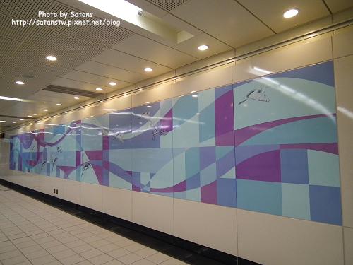 蘆洲站的鷺鷥壁飾