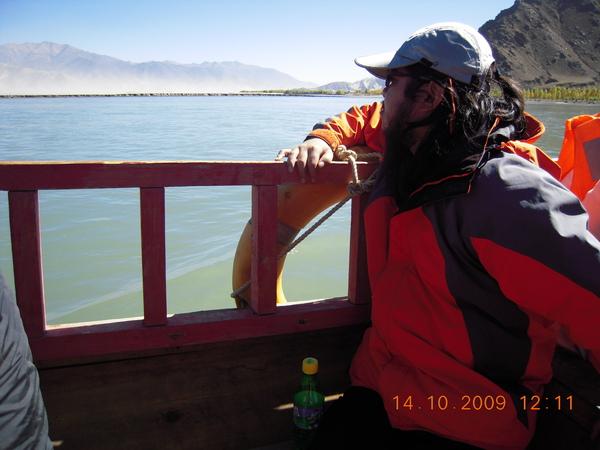我們坐渡輪過河.jpg