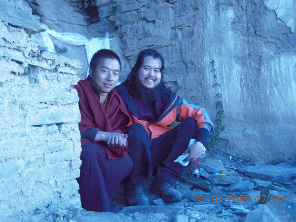 帶我們來到他的寺院的喇嘛!.jpg