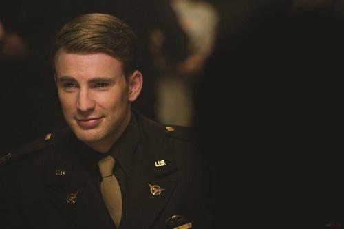 Chris_Captain America
