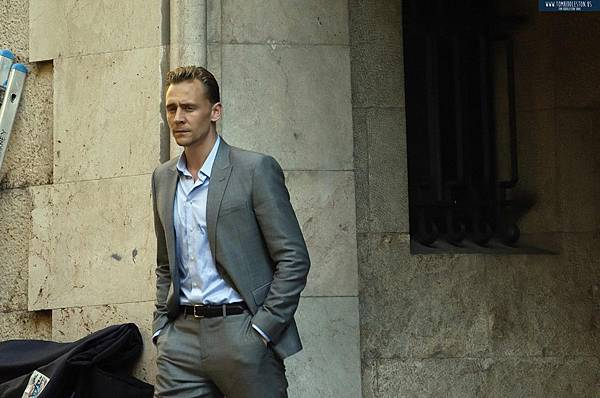 Tom-filming-The-Night-Manager-tom-hiddleston-38539059-1280-847.jpg