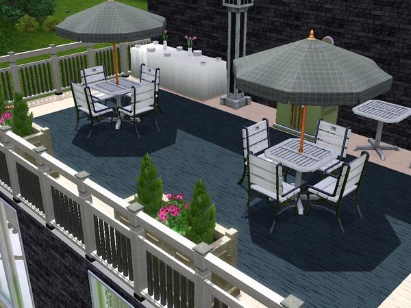 2樓野外用餐露台.jpg