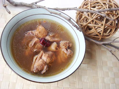 牛奶埔燉雞湯