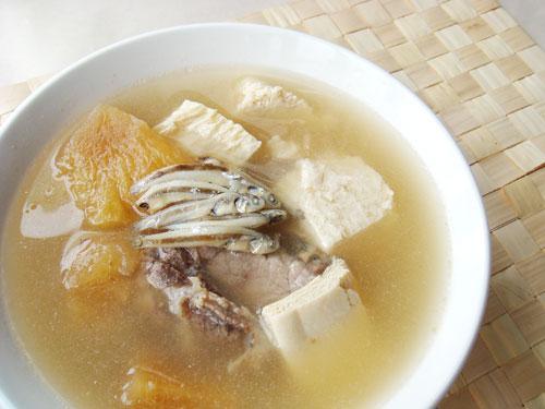 醬鳳梨排骨湯