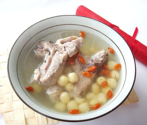 蓮子排骨湯
