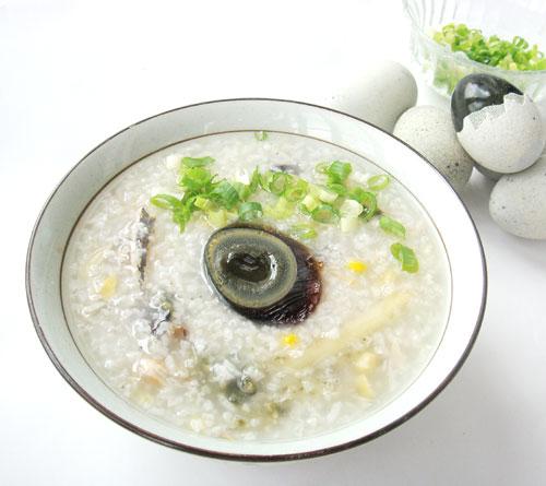 鹹魚皮蛋粥