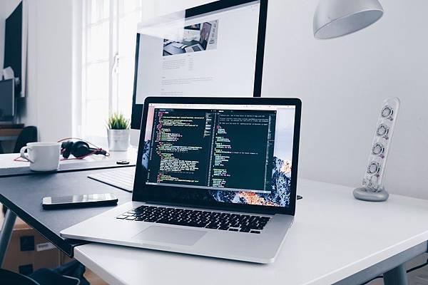 從七個不同的方向來解釋Python和Java的不同之處!!
