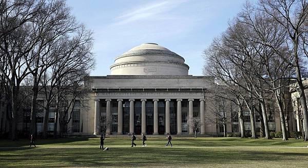 因應產業AI化而成立了運算學院的麻省理工大學.jpg