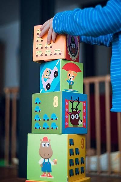 想換工作想瘋了嗎?達內教育:快用積木法找出你的完美金字塔吧!!