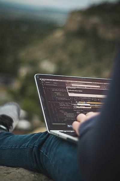 Python熱度不減?!最新程式語言排行有望擠下Java?!