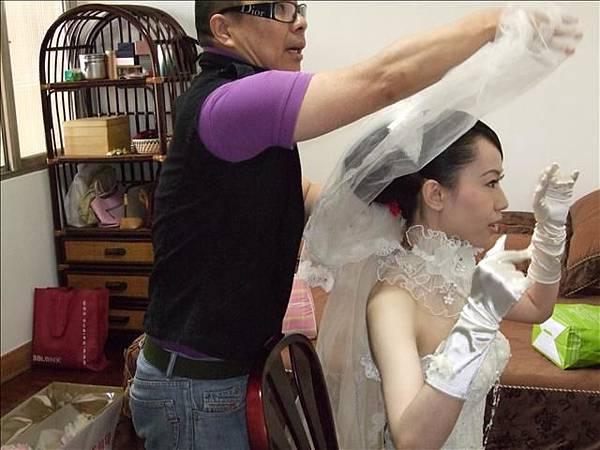 老師在試頭紗