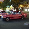 粉紅色的計程車耶