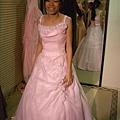 也是粉紅小禮服