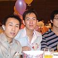 三位男招待