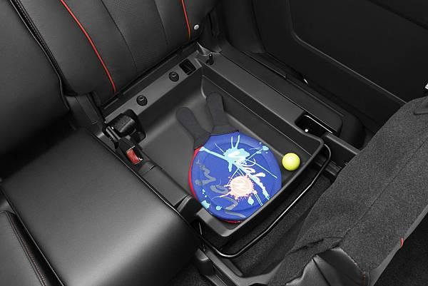 2012-Mazda5-Minivan-10.jpg
