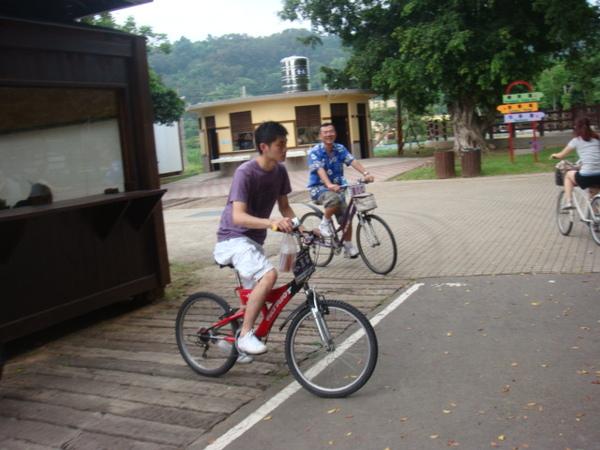 租腳踏車!!!老張