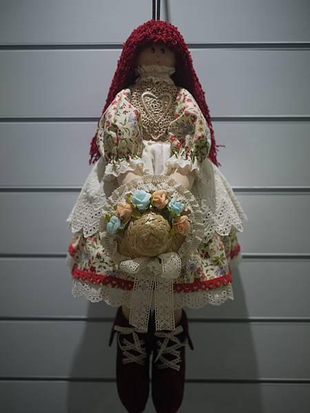 紅髮面紙娃娃