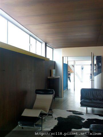Le Corbusier apartment-1.JPG