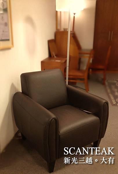 C10742-單人皮沙發(深棕)