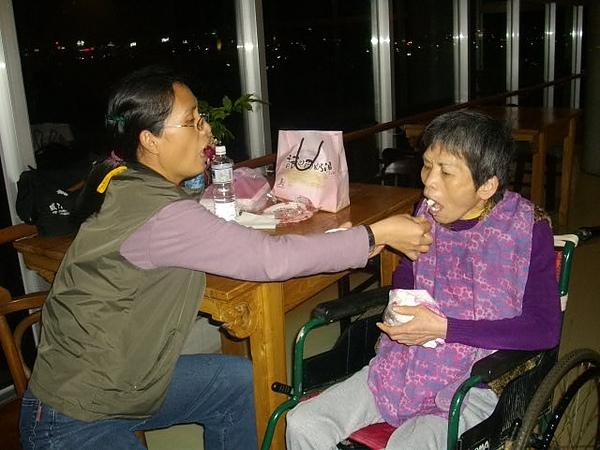 99年媽媽63歲卻已病了19年.JPG
