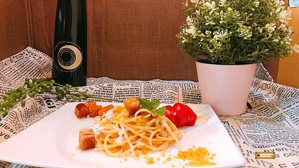 胖咪阿娟幸福廚房-烏魚子奶香(白醬)義大利麵同場加映和牛排佐干貝IMG_0238.JPG