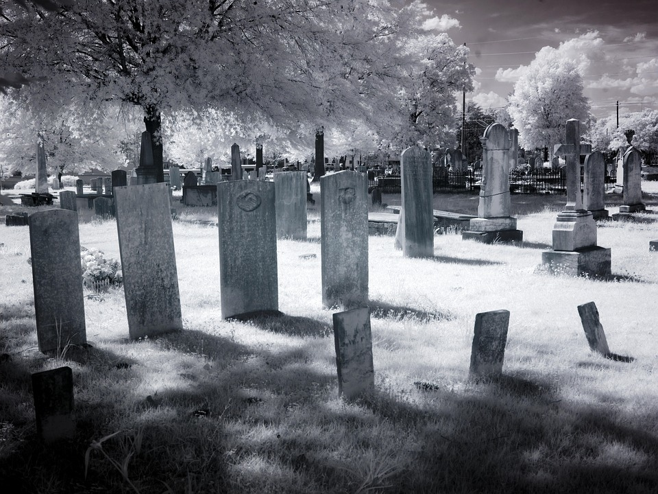 cemetery-1636060_960_720.jpg