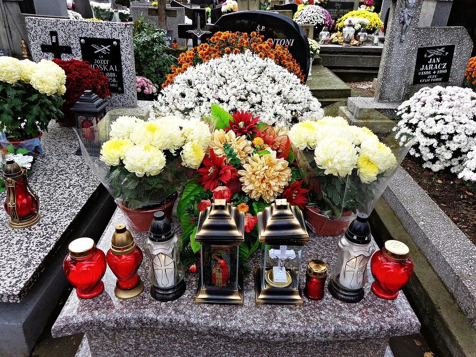 cemetery-1788443_960_720.jpg