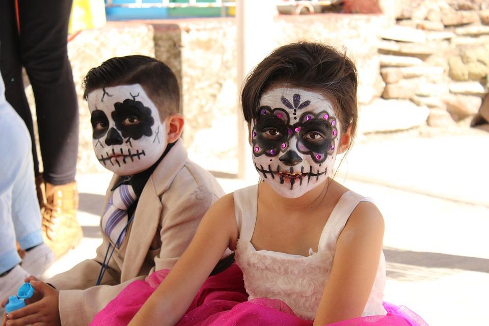 halloween-costume-1796379_960_720.jpg