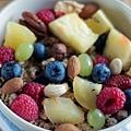 breakfast-bowl-fruits-raspberries-blueberries.jpg