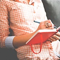 female-diary-write-beautiful-inspire-create.jpg