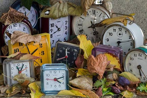 watches-alarm-clock-time-change-transience.jpg