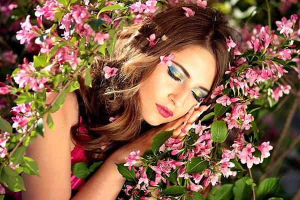 girl-1360854_1280.jpg