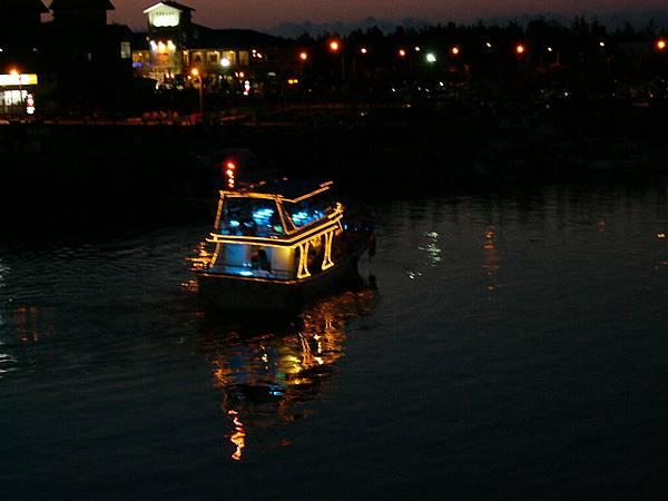 閃亮亮遊艇