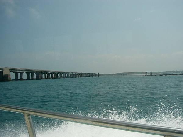 從遊艇看跨海大橋